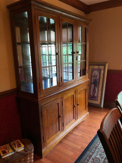 Oak 3-Door China Hutch (Matches Table & Chair In Previous Lot)