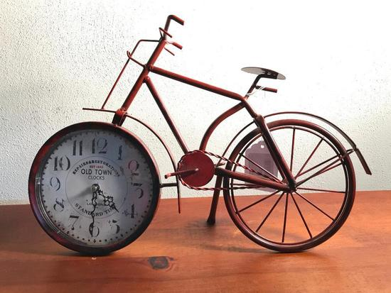Metal Bicycle Clock Is Battery Operated
