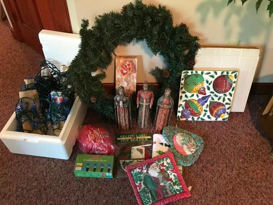 Christmas Lot! Wreaths, Lights, Wise Men, & More!