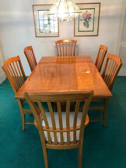 Nice Solid Oak Thomasville Dining Room Table W/(6) Chairs & (2) Leaves
