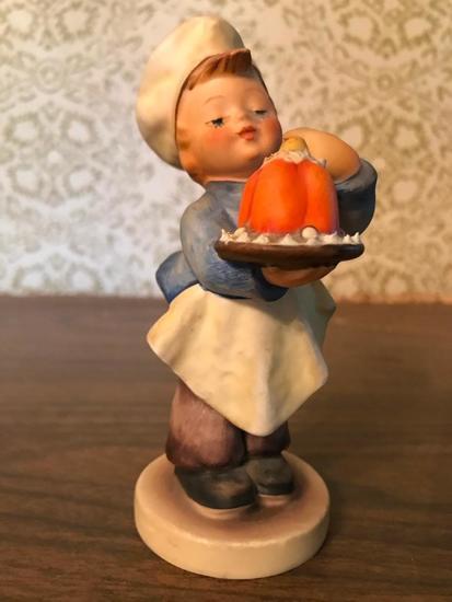"Hummel Figurine: ""Baker"""