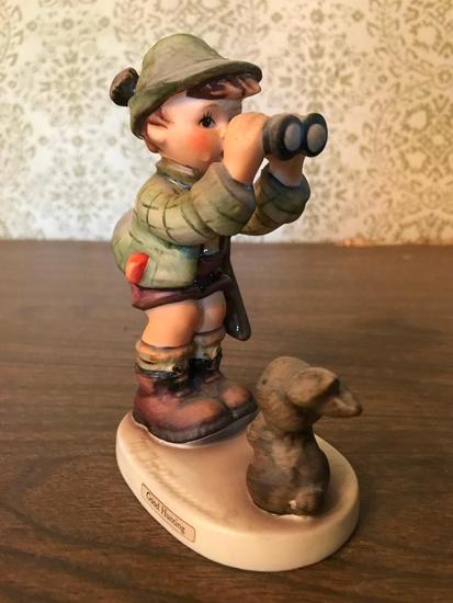 "Hummel Figurine: ""Good Hunting"""