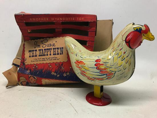 """Vintage Wyandotte """"I'm Suzy The Happy Hen"""" Chicken W/Box"""