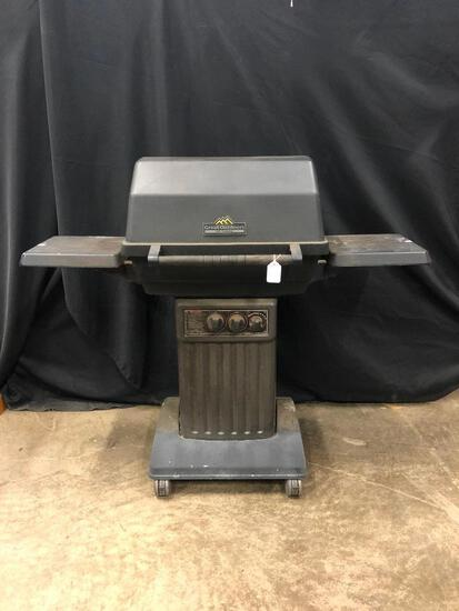 Great Outdoors Gas Grill W/Cover