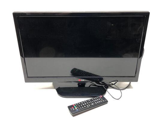 """LG 22"""" Flat Screen TV W/Remote"""