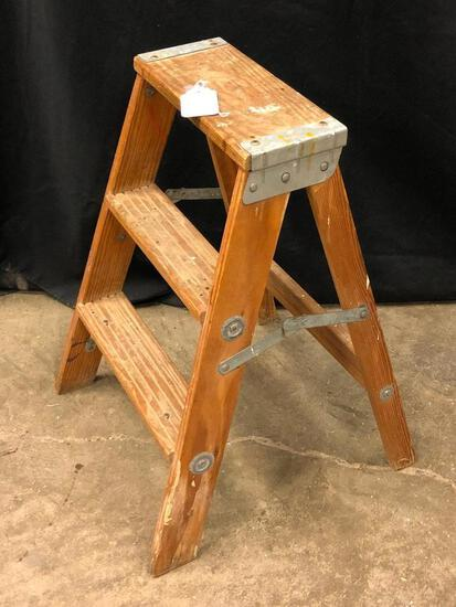 2' Step Ladder