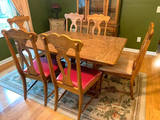 Oak Trestle Table W/(6) Chairs & (2) Leaves
