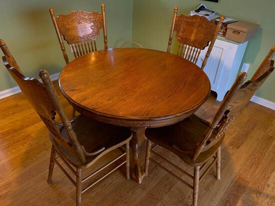 Round Oak Table W/(4) Matching Press-Back Spindle Chairs