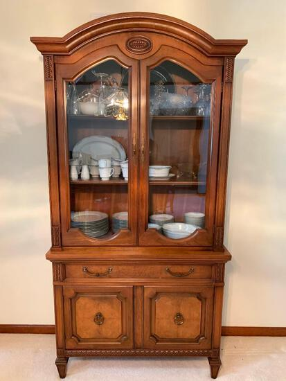 Vintage 1960's Mount Airy China Cabinet