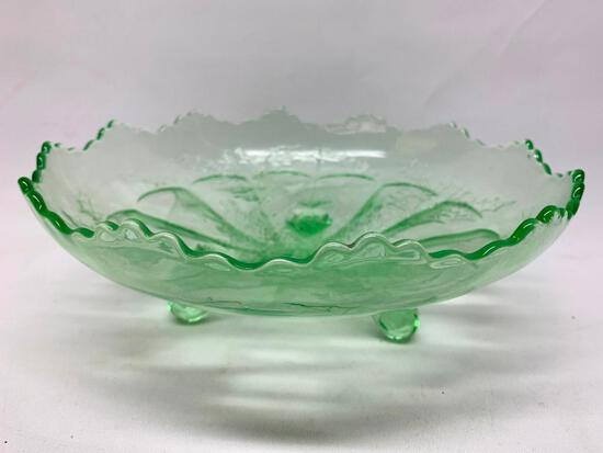 """Vintage Fenton Green 3-Footed Bowl In """"Stag & Holly"""" Pattern"""