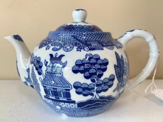 "Blue & White ""Blue Willow"" Porcelain Teapot"