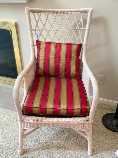 Antique Wicker Side Chair W/Upholstered Seat & Pillow