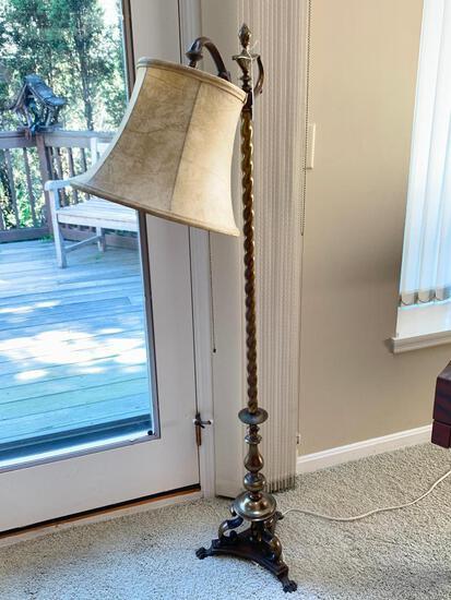 Quality Brass Floor Lamp W/Cloth Shade