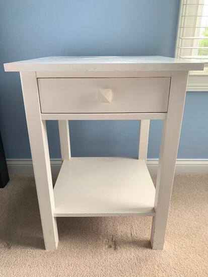 White 1-Drawer Stand