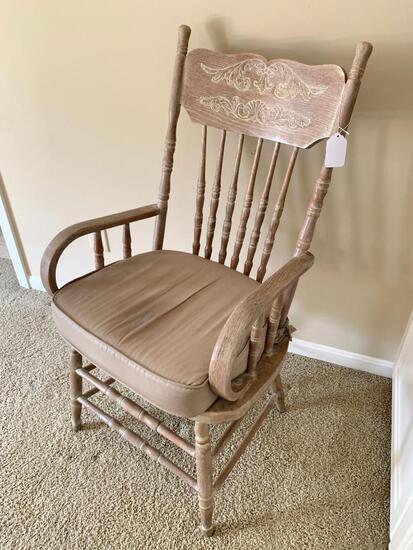 Antique Oak Pressed & Spindle Back Chair W/Curved Arms