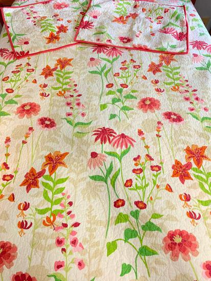 Martha Stewart Full/Queen Size Quilt and Two Pillow Shams