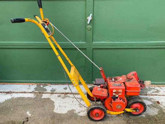 Mc Lane Gas Edger with 3HP Briggs and Stratton Motor