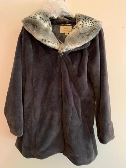 Dennis Basso Gold, Size Medium, Black, New Coat in Original Bag, Faux Fur
