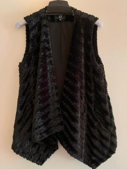 G by Giuliana, Black, Size Medium, Faux Fur Vest