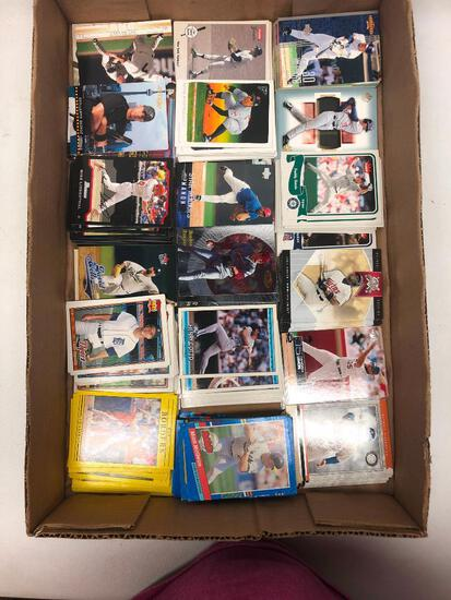 Group of 250 Common Baseball Cards as Pictured