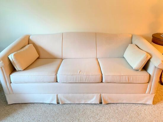 White, Simmons, Hide-A-Bed Sofa, Very Clean