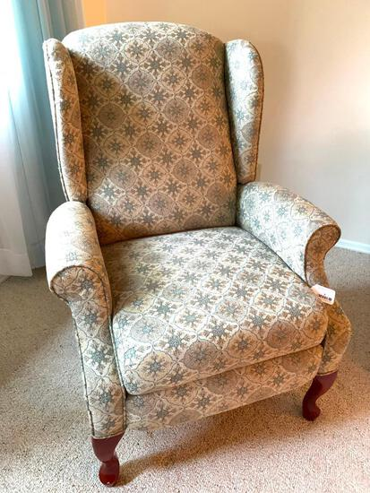 Wing Back Recliner, Very Clean!
