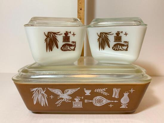 3 Piece Lot Pyrex Set with Lids 2-1.5 Cups and 1 and 1.5 Qt
