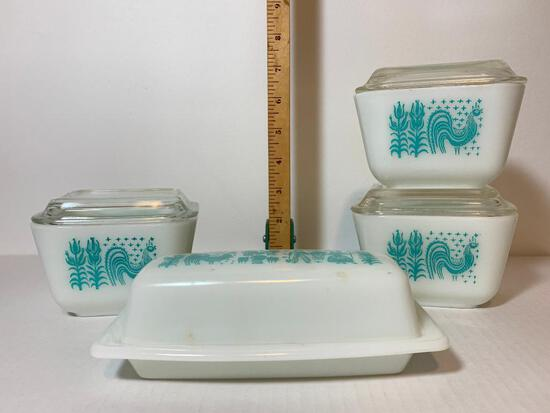 4 Piece Lot Pyrex Set 3-1-1.5 Cup with Lids and Butter Dish