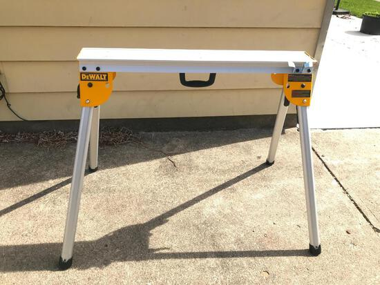 Dewalt DWX725 Heavy Duty Work Stand. This Item Appears to be almost New.
