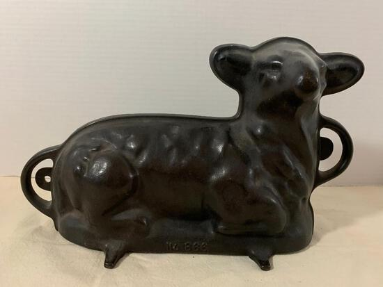 """Griswold/Ohio Wagner Ware Cast Iron Lamb Cake Pan No.866. This Item is 7.5"""" Tall - As Pictured"""