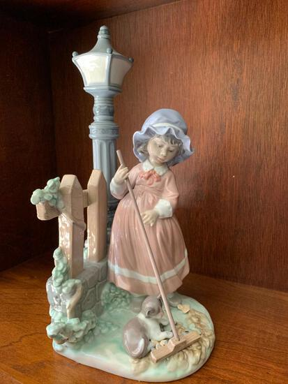 """Lladro """"Fall Cleanup"""" No Box Included. This is 13"""" Tall"""