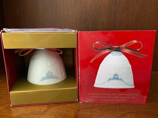 """Lladro """"2002 Christmas Bell"""" with Original Box. This has Never Been Out of the Box"""