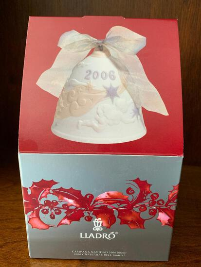 """Lladro """"2005 Christmas Bell"""" with Original Box. This has Never Been Out of the Box"""