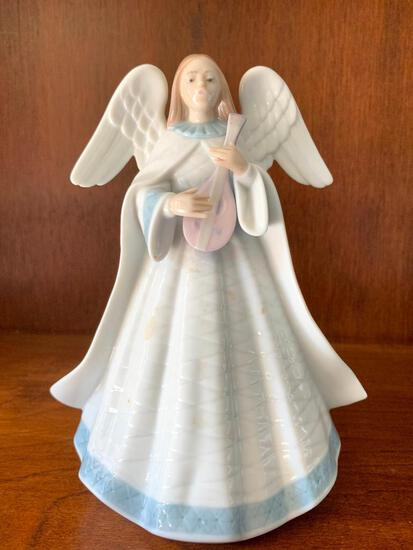 """Lladro """"Angelic Melody"""" with Original Box. This is 7.5"""" Tall"""