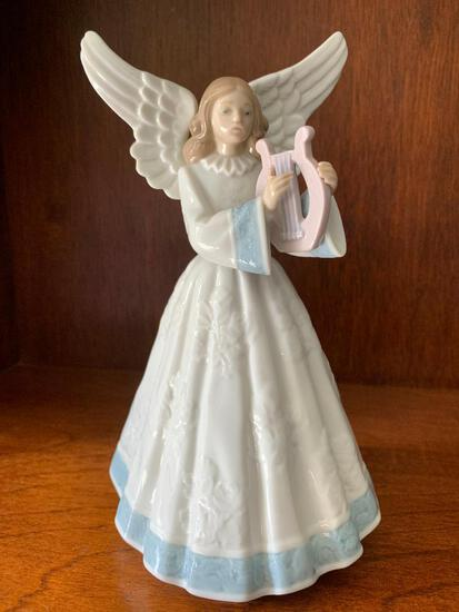 """Lladro """"Heavenly Harpist"""" with Original Box. This is 8"""" Tall"""