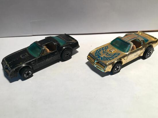 Hot Wheels Two 1977 Hote Birds White Black and Gold