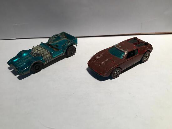 Hot Wheels 1970 Mutt Mobile Red Line and 1969 War Path