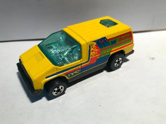 Hot Wheels 1978 Custom Van w/Plastic Bottom