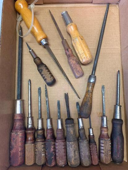 Misc Lot of Vintage Wooden Buffalo Screwdrivers - As Pictured
