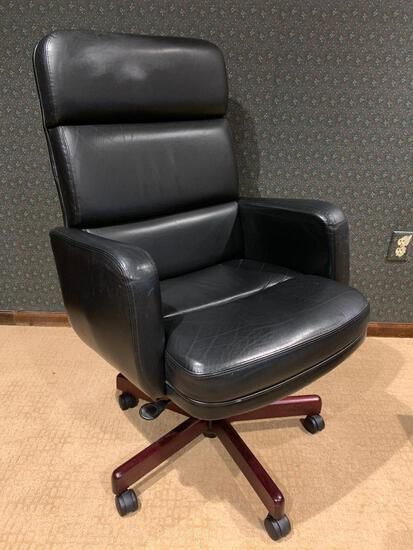 """Very Nice Leather Office Chair Made by Paoli, Inc. This is 44"""" Tall & the Seat is 20"""" x 21"""""""