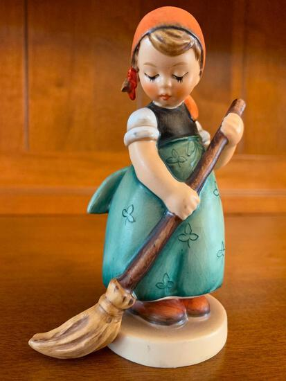 """Hummel """"Little Sweeper"""" TMK2. This is 4.5"""" Tall - As Pictured"""