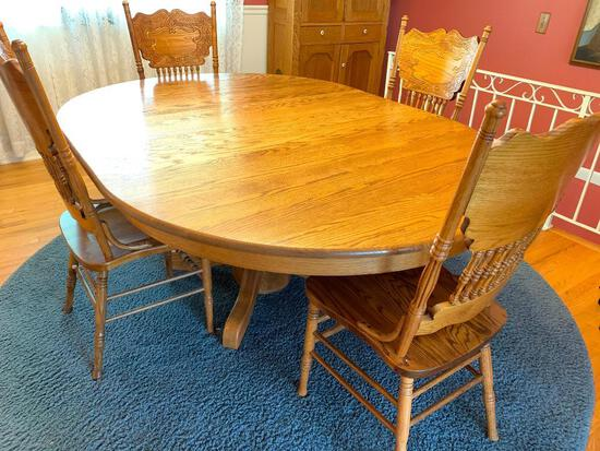 """Round Oak Dining Table w/Leaf & 4 Press Back Chairs. This is 29"""" Tall x 53.5"""" Long x 54"""" Wide - As"""