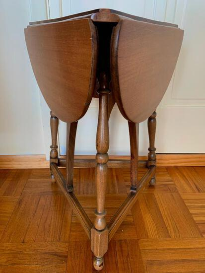 """Small Triple Drop Leaf Lamp Table. This is 26"""" T x 30"""" W - As Pictured"""