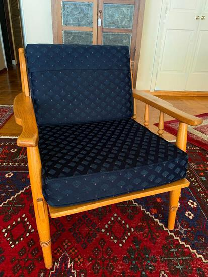 """Oak Mid-Century Side Chair w/Cushion. This is 29"""" T x 27"""" W x 27"""" D - As Pictured"""