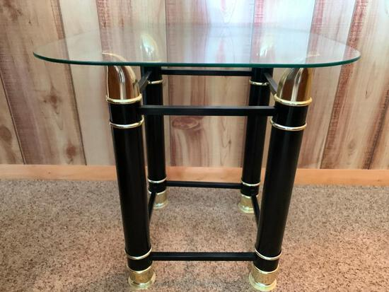 """Metal w/Glass Top Side Table. This is 19"""" T x 19"""" W x 19"""" D - As Pictured"""