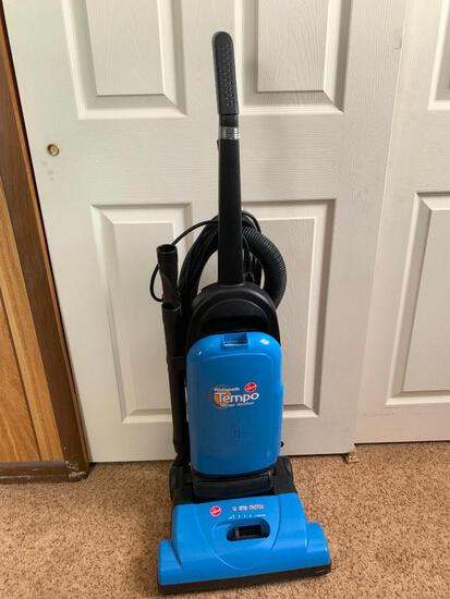 Hoover Widepath Temp Vacuum Allergen Filtration 12 AMP Motor - As Pictured