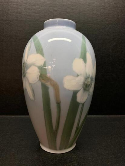 """Royal Copenhagen Porcelain Vase w/Flower Design Marked 106/418. This is 5.5"""" Tall - As Pictured"""
