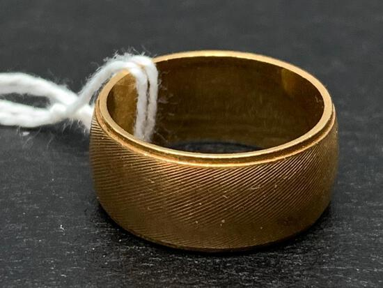 14 K G.W.R Gold Ring The Weight is 5.6 Grams - As Pictured