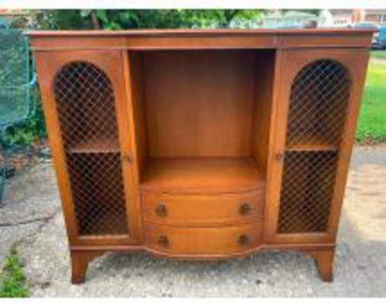 Online Only Auction Poling Estate Furniture & More
