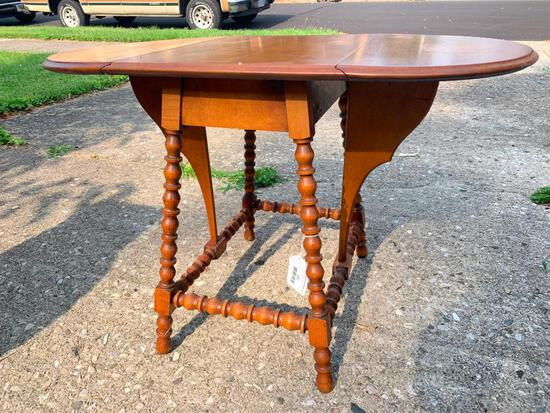 """Vintage Double Drop Leaf Wood Side Table w/Spindle Legs 20"""" T x 30"""" W x 17"""" D - As Pictured"""